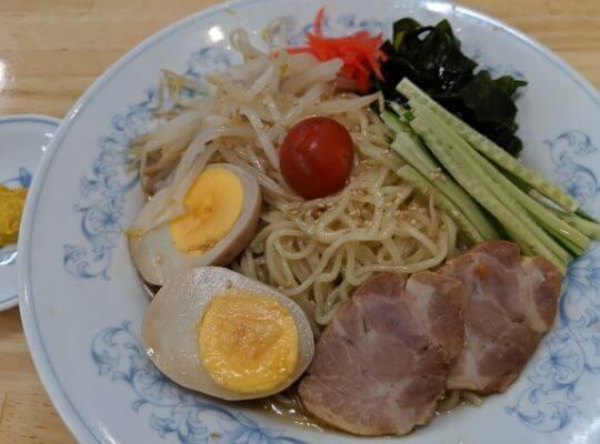 冷やし中華の煮卵の写真