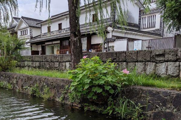 倉敷美観地区の土産物屋の写真