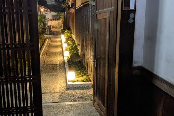 倉敷町屋の入り口の写真
