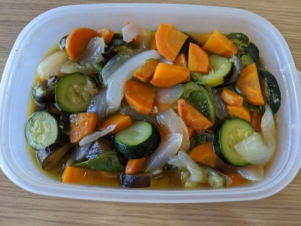 野菜の麺つゆ漬けの写真