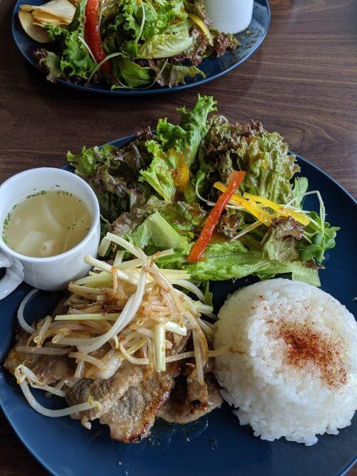 黄ニラの生姜焼きの写真