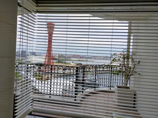 ジャグジーから見た神戸の海