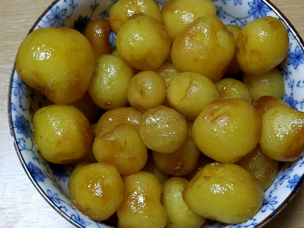 イモの煮物の写真